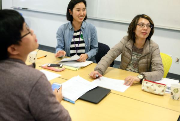 Students including international students in class